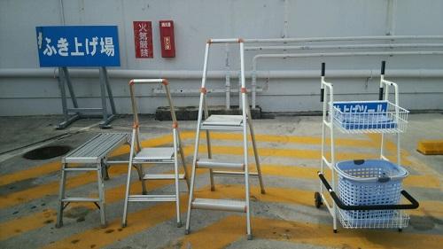 沖縄のガソリンスタンドは、ふき上げアイテムが充実してます!