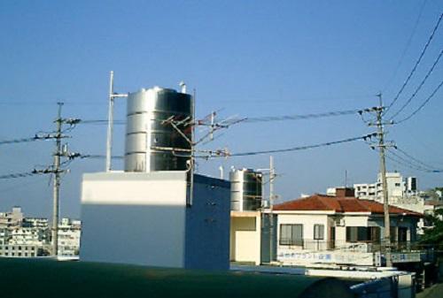 沖縄の家の屋根上にあるタンクは何につかうの?