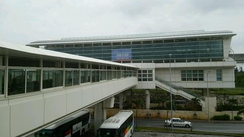 関西から沖縄移住して初めて「ゆいレール」に乗ってみましたよ!