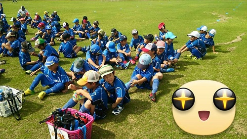 さすが沖縄!朝は晴れていたのに突然の豪雨でサッカーの試合が中止に。