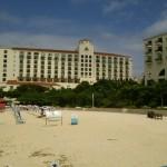 沖縄移住して良かった事、気ままにフラッとホテル日航アリビラのニライビーチで砂遊びが出来る!