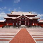 沖縄県の首里城は、お城ですが本土のお城と違ってお寺の要素が満載!