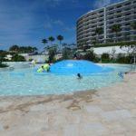 子連れにオススメ!(動画)ホテルモントレ沖縄の屋外プールが子供に大人気なワケ?