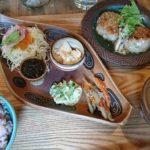 糸満市のカフェ「土~夢(どうむ)」は、やちむんも置いているアートカフェ?