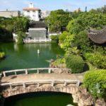 この時期、沖縄でインスタ映えする写真を撮るなら「福州園」がオススメ