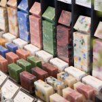 沖縄県産のハンドソープ専門店が海外で大人気。「首里石鹸」の魅力は?